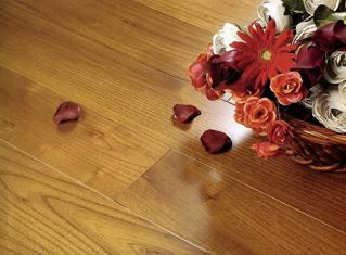 如何做好地板的防护工作,保养有讲究